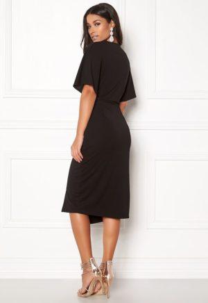 Vakker kjole fra MAKE WAY